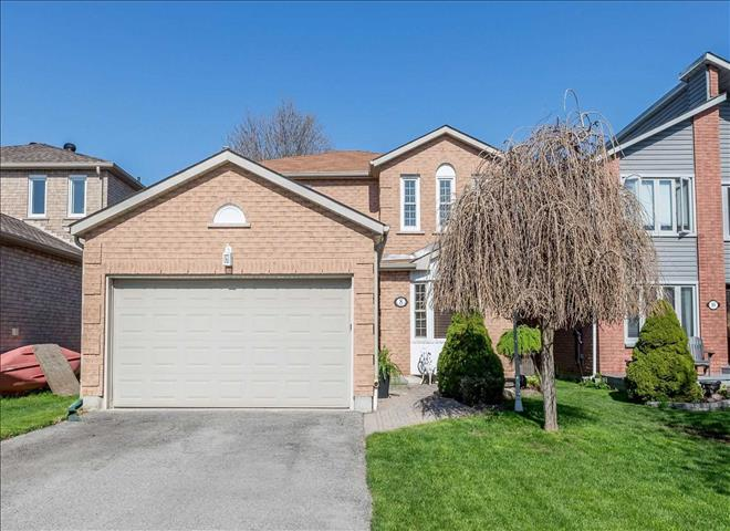 8 Carruthers Cres