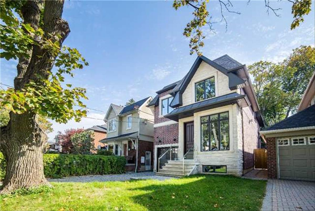 143 Donlea Dr Toronto RE/MAX Hallmark Group of Companies