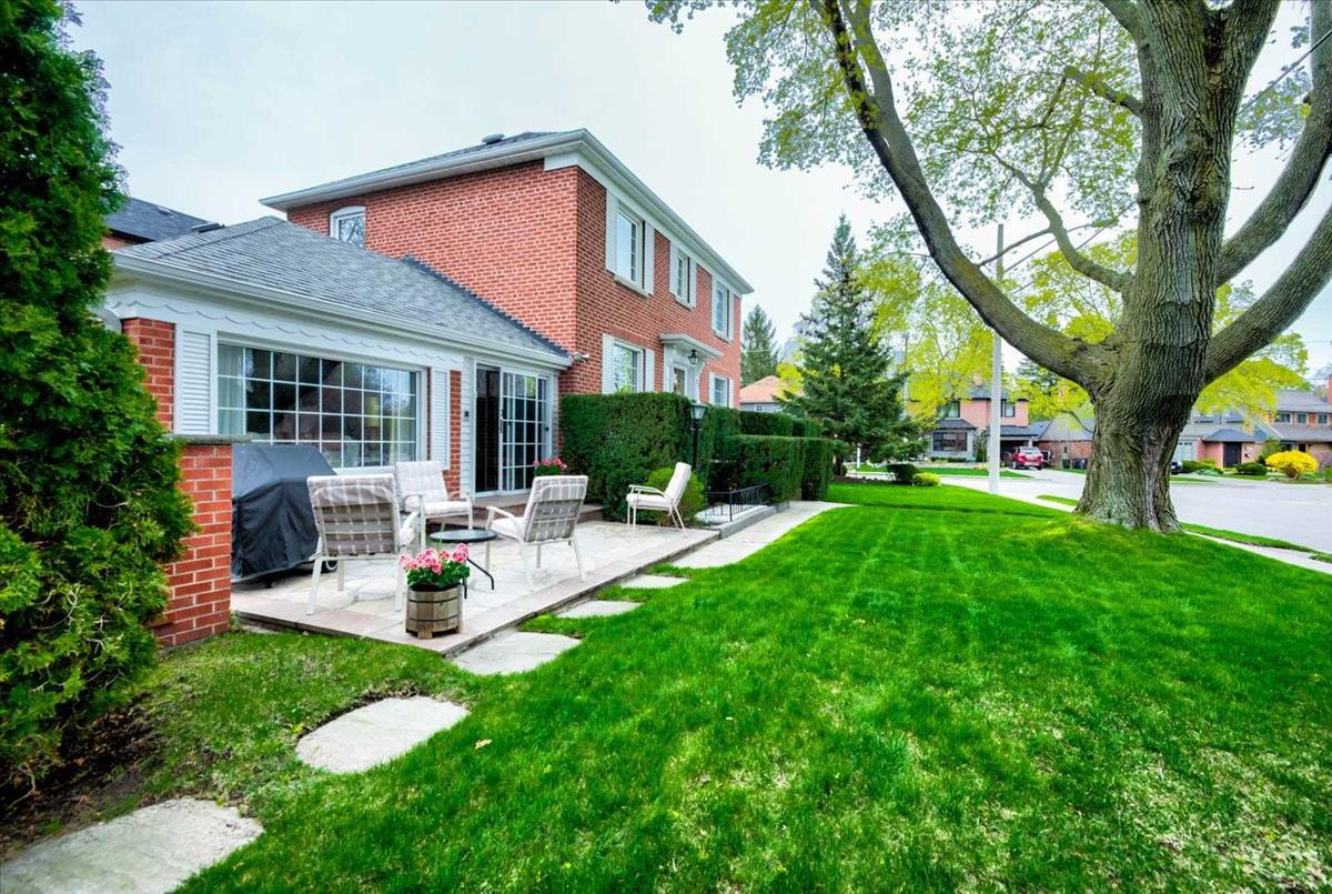 69 Rykert Cres Toronto RE/MAX Hallmark Group of Companies