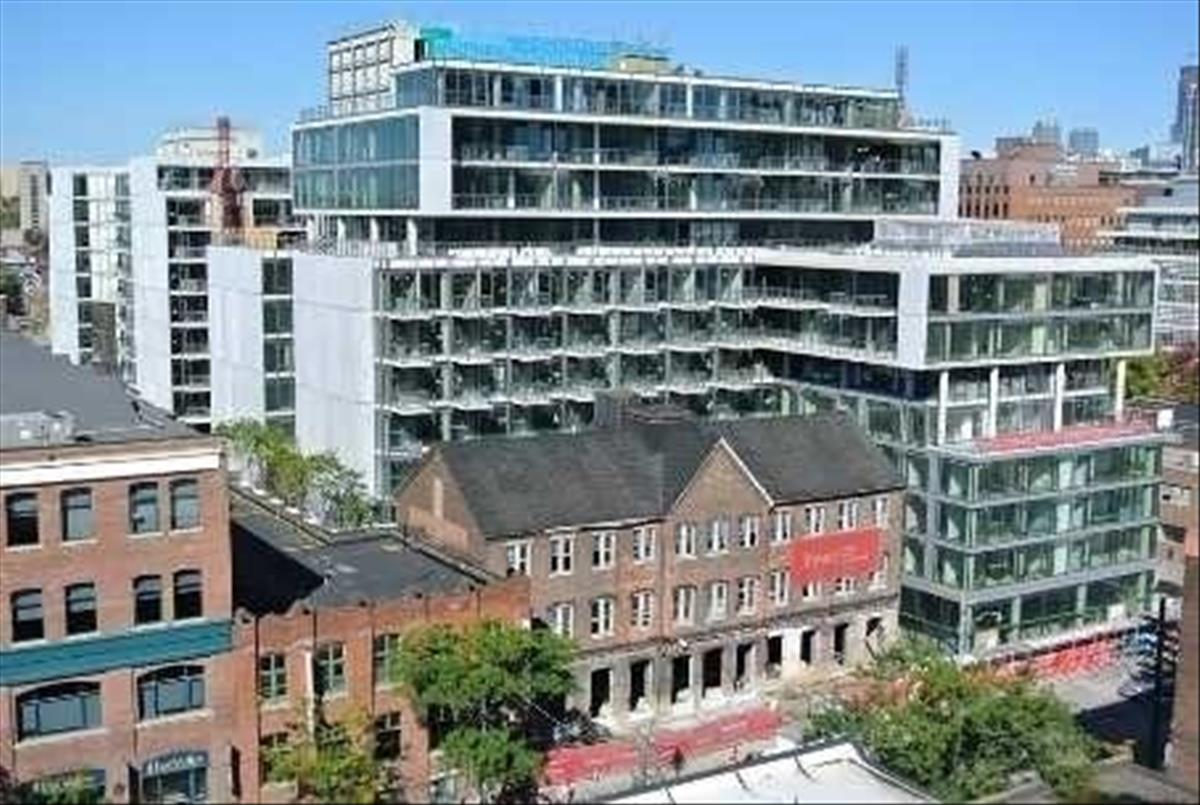 560 King St W Toronto RE/MAX Hallmark Group of Companies
