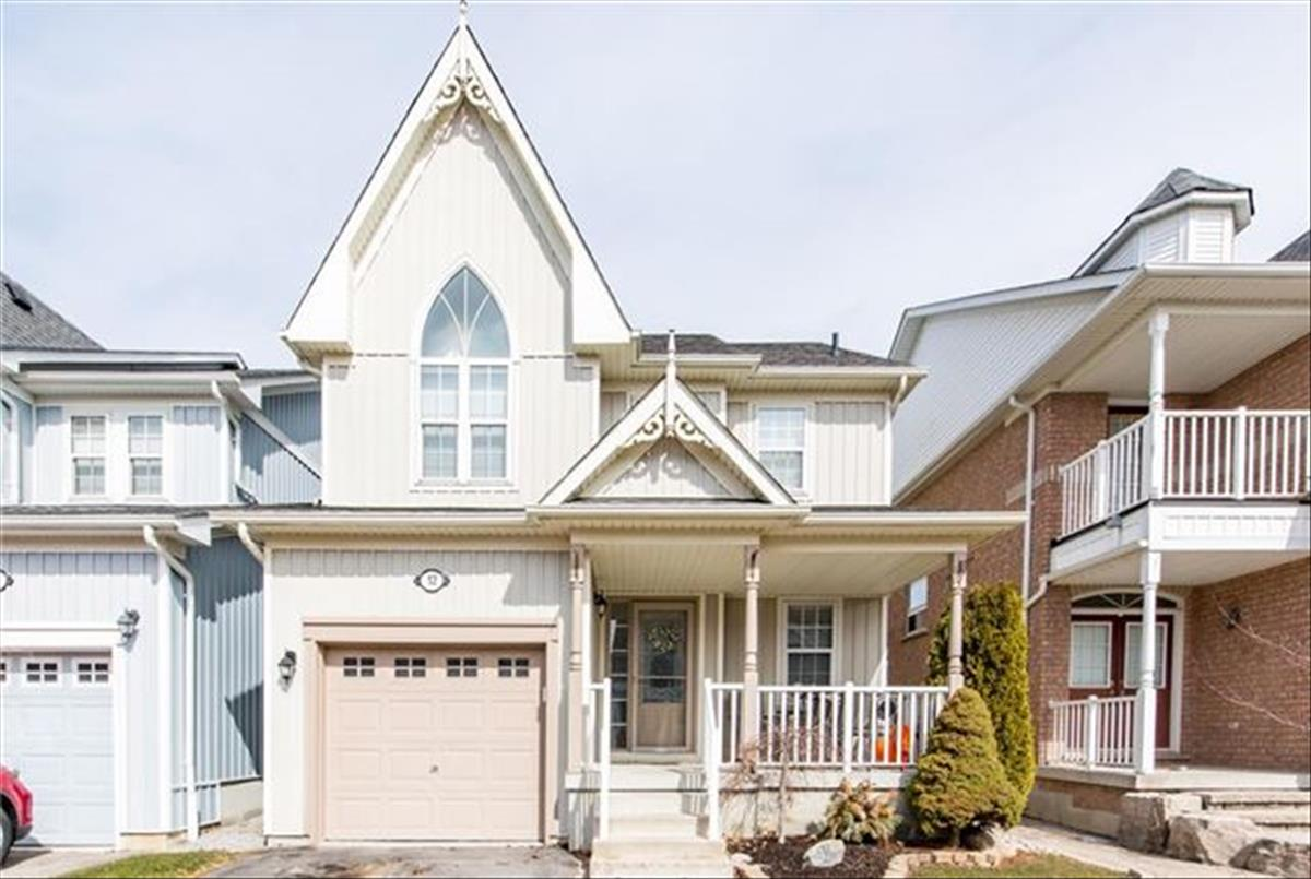 12 Beaumaris Cres Whitby RE/MAX Hallmark Group of Companies
