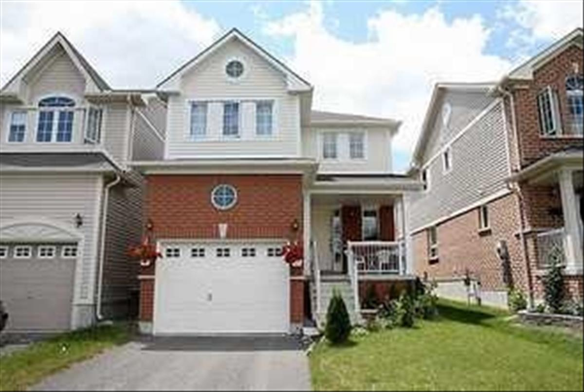1655 Sarasota Cres Oshawa RE/MAX Hallmark Group of Companies