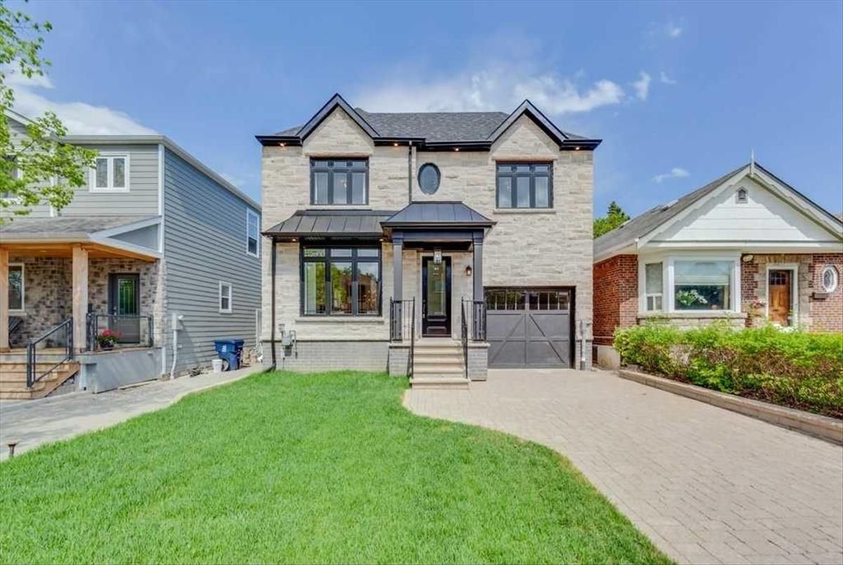 33 Hunt Club Dr Toronto RE/MAX Hallmark Group of Companies