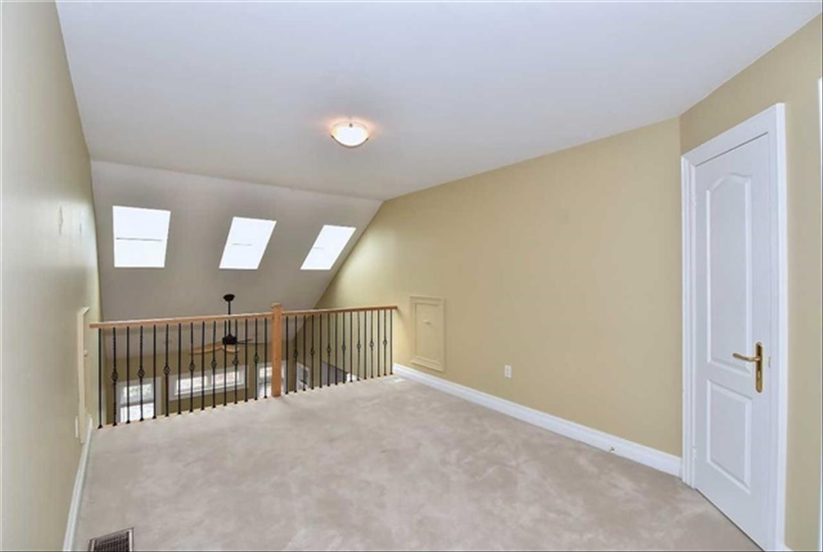 479 Crossing Bridge Pl Aurora RE/MAX Hallmark Group of Companies